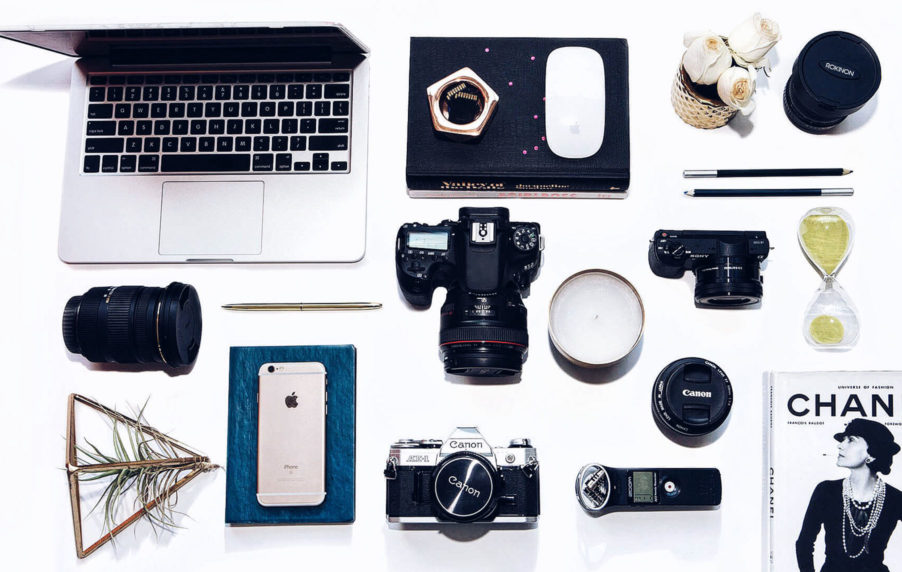 Simply Sona shares her equipment recommendations and tips on how to start a blog.