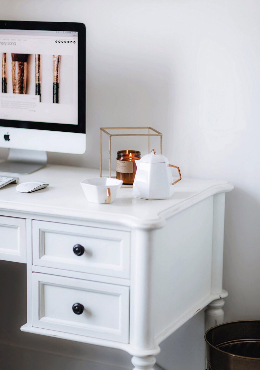 Some details on my desk at my beauty room tour