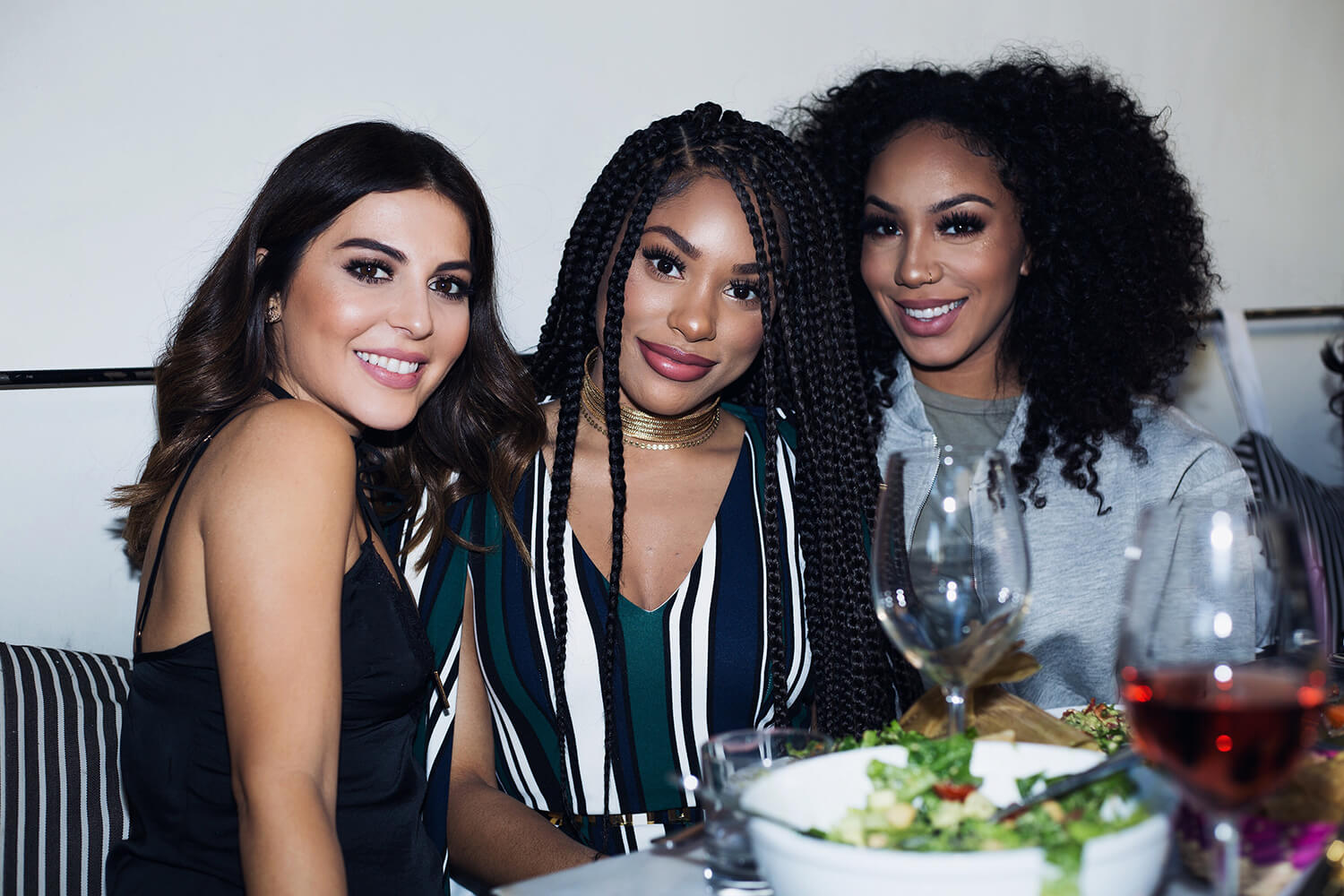 sona gasparian, Raye of @itsmyrayeraye, and Alyssa of @foreverflawlyss at the pérsona cosmetics identity palette launch party