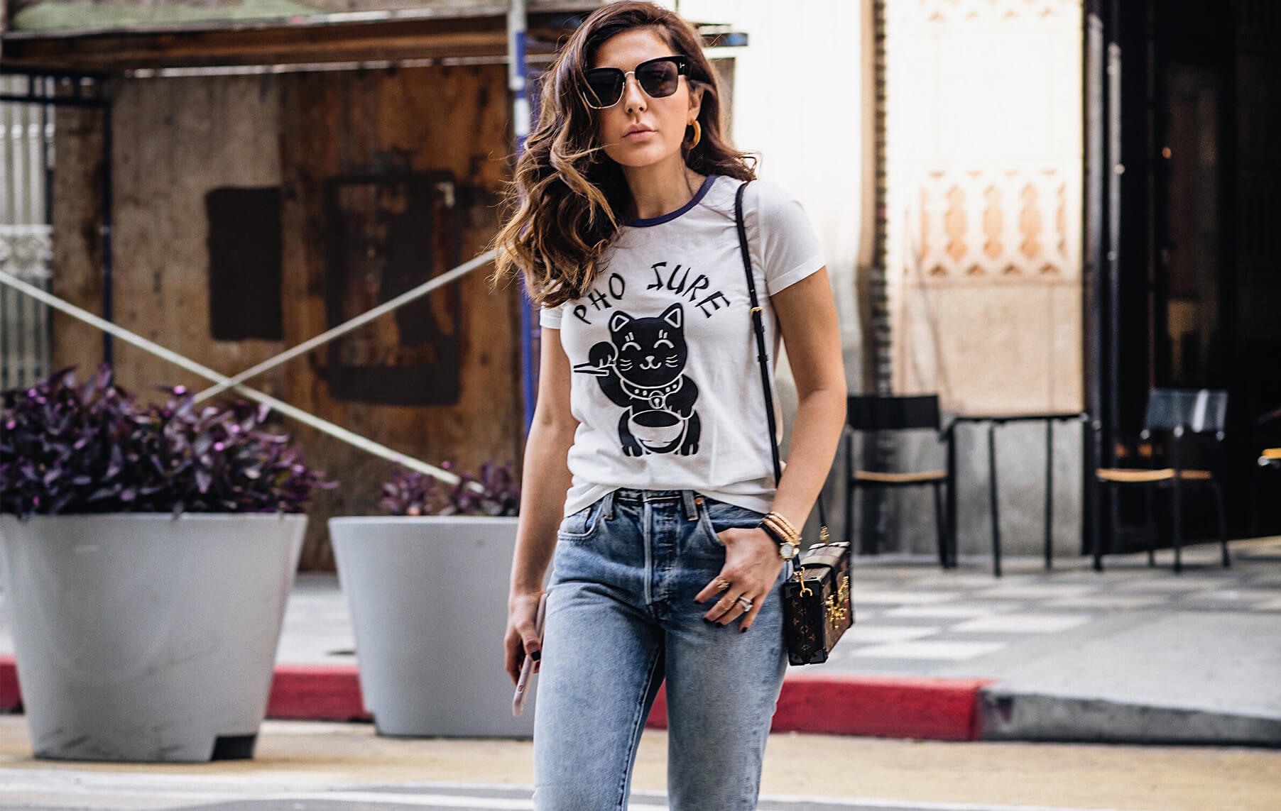how to style jeans and a tee shirt with sona gasparian