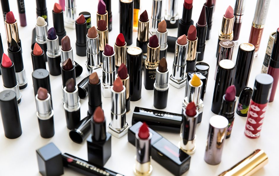 sona gasparian's 100 lipstick giveaway
