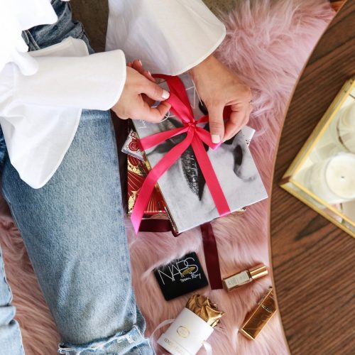 Gift Ideas Under $25 For Beauty Lovers