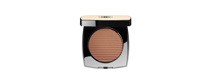 Chanel Les Beiges Healthy Glow Luminous Color - Travel Makeup Bag Essentials