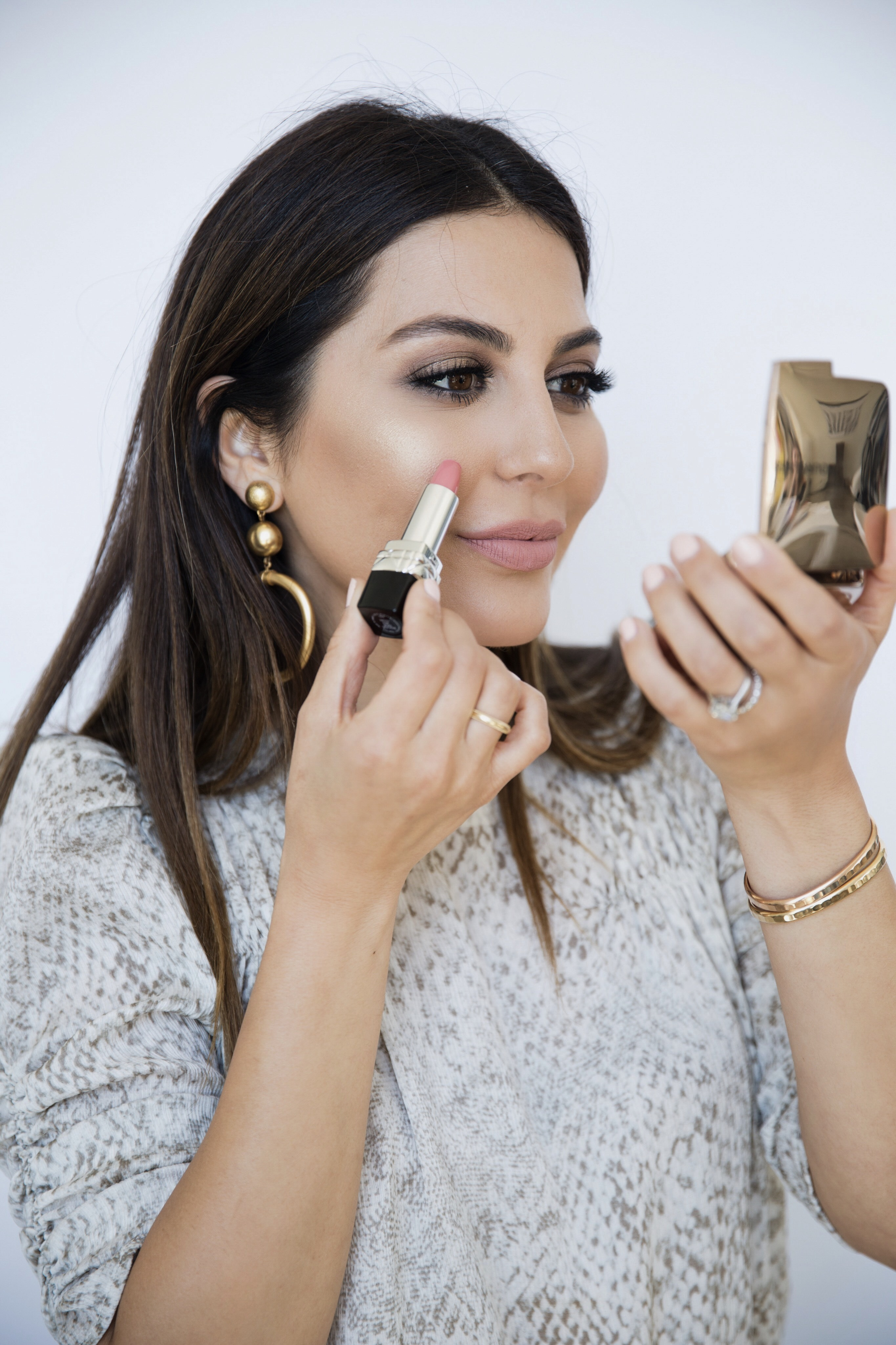sona gasparian shows how to use multitasking beauty products