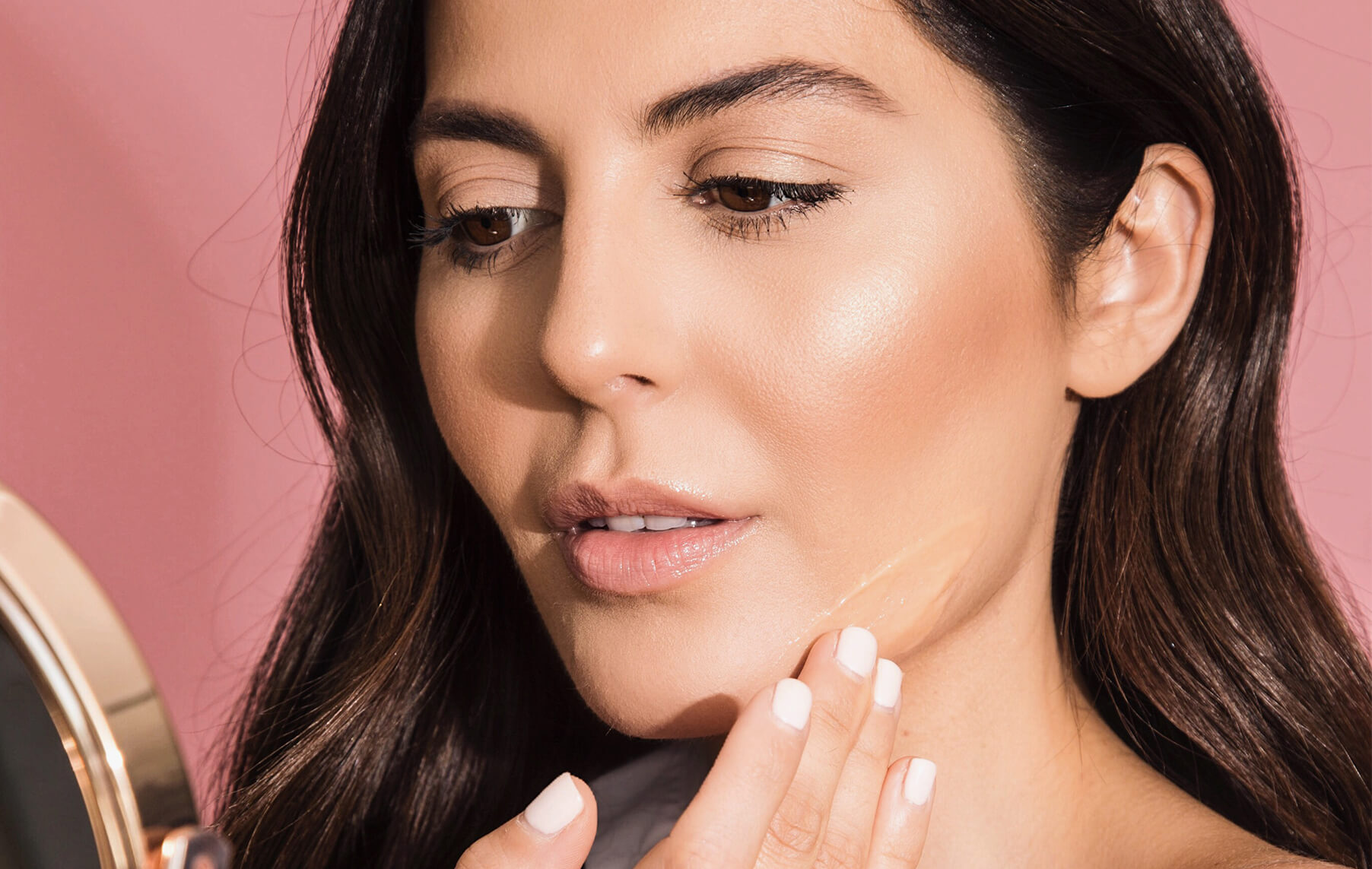 Benefits of Adding A Serum To Your Skincare Routine